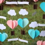 Фото 24: Интересная композиция гирлянды с сердечками