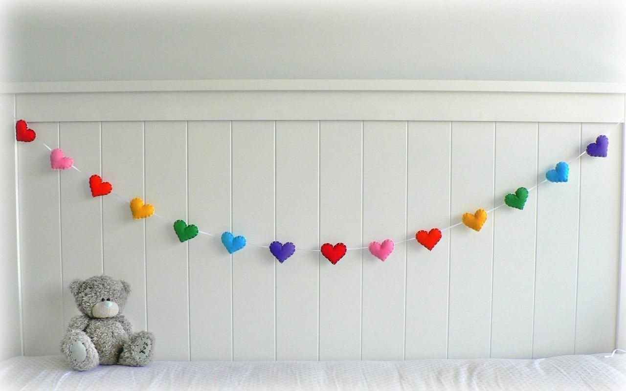 Как украсить комнату своими руками на брачную ночь