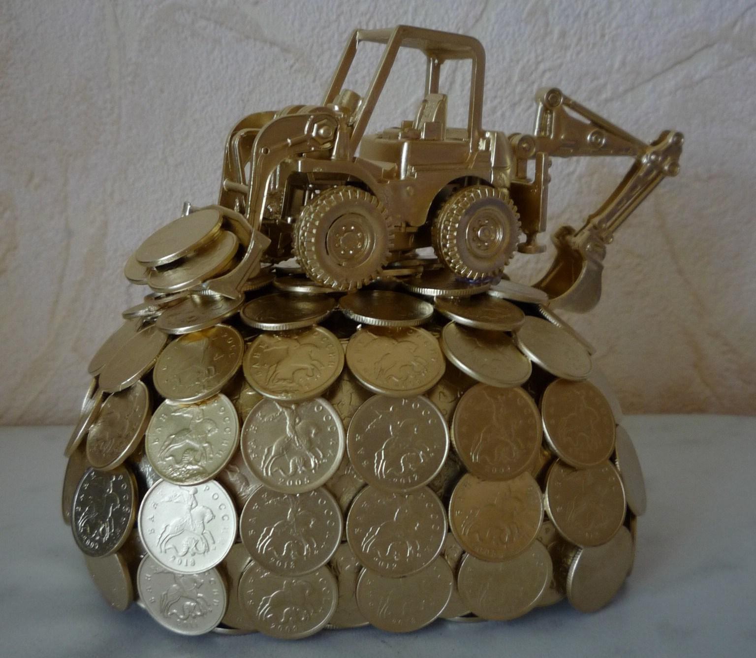 Поделка из монет «Экскаватор» украсит интерьер вашего дома