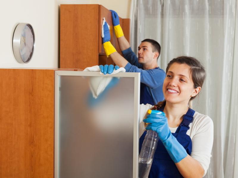 Работники сервиса должны быть хорошо осведомлены о санитарных нормах и нормативных актах
