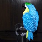 Модульный попугай в технике оригами