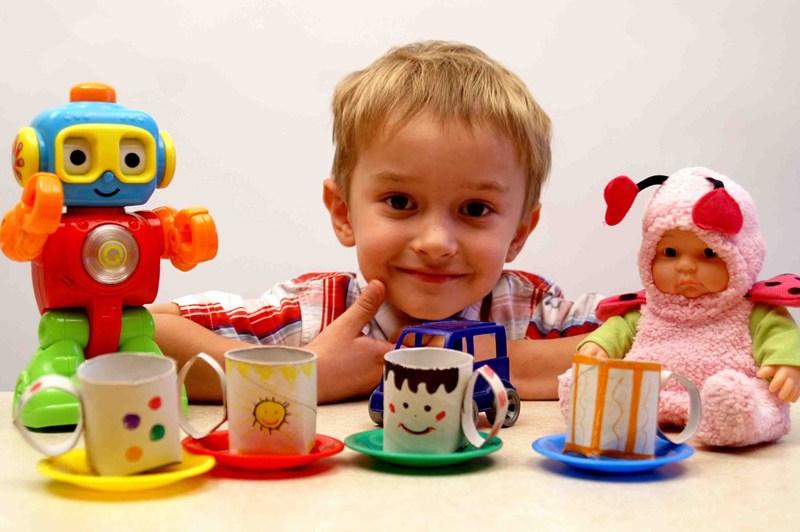 С помощью втулок можно сделать детскую посуду