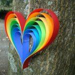 Фото 31: Радужное сердечко из бумаги