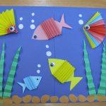 Фото 37: Аппликация с рыбками гармошкой из цветной бумаги