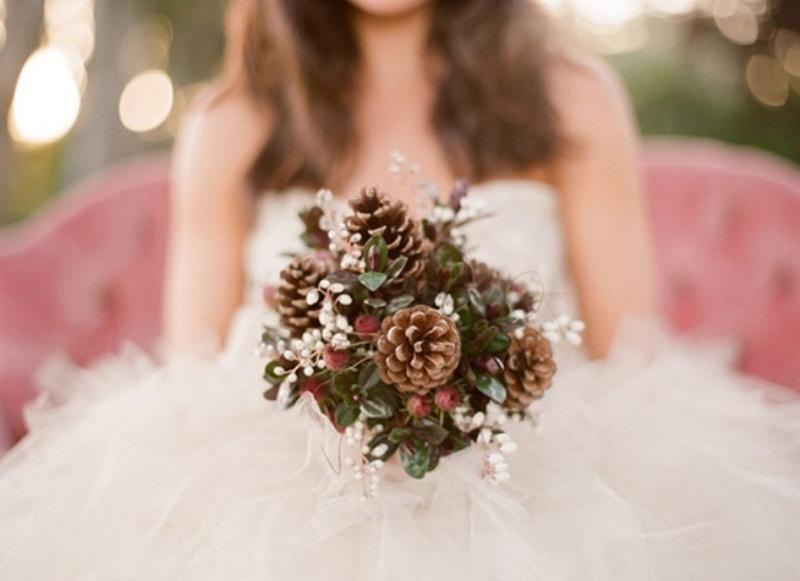 Свадебный букет из шишек