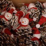 Фото 90: Снеговики из шишек