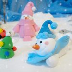 Снеговики из пластилина