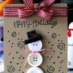 Фото 68: Новогодняя открытка со снеговиком из пуговиц