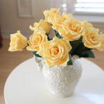 Фото 30: Желтые розы из бумаги