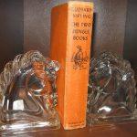 Фото 150: стеклянные книгодержатели