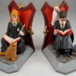 """Фото 82: Книгодержатели с Гермионой и Гарри Поттером по серии книг """"Гарри Поттер"""""""