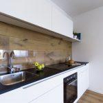 Фото 61: Ламинат под стекло для кухни