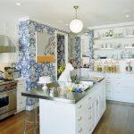 Фото 65: Моющиеся обои на кухне под гжель