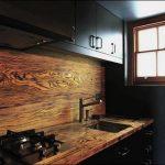 Фото 102: Стеновая панель на кухне под дерево