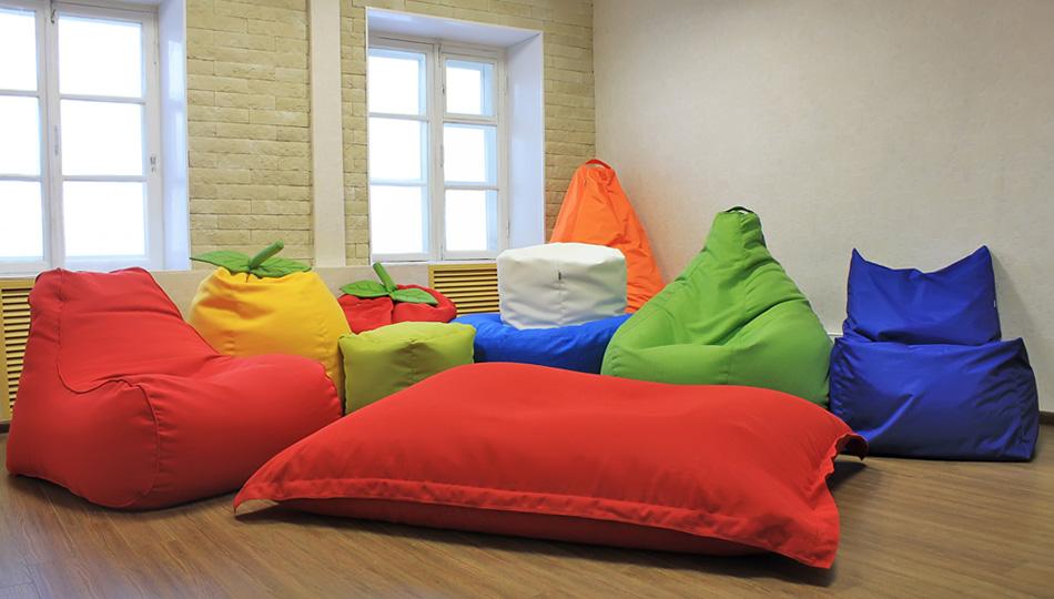 Разнообразная бескаркасная мебель