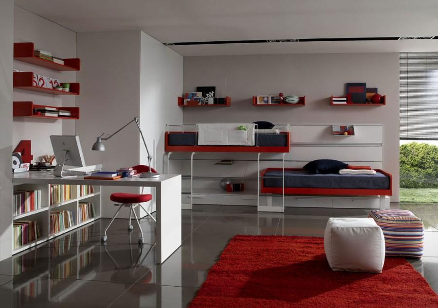 Красный ковер в интерьере гостиной