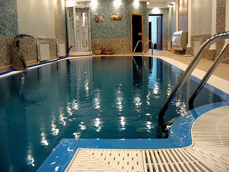 Переливной бассейн зарытого типа