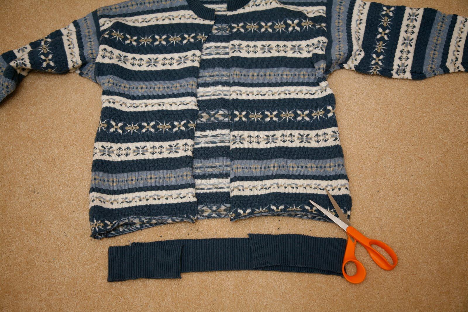 Пуф из старого свитера