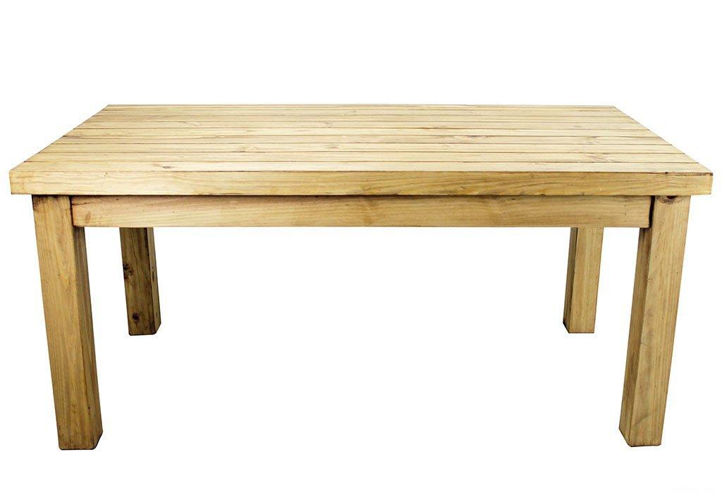 Стол из деревянного бруса