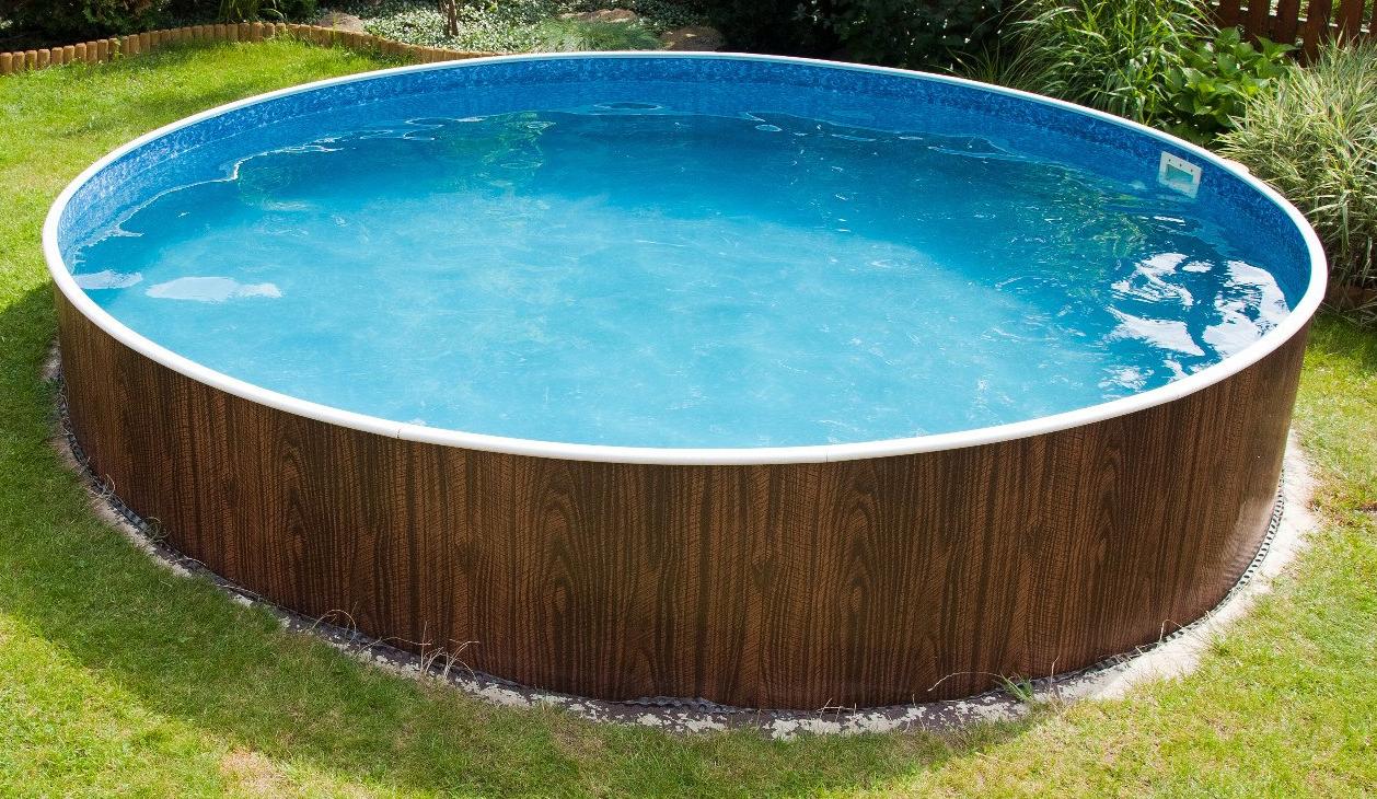 Преимуществом бассейна из металлического листа является возможность обеспечения любой формы