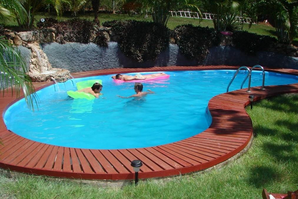 Собственный бассейн – это модное и полезное использование части участка