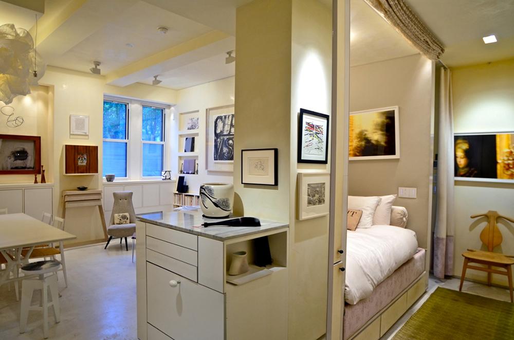 Дизайн однокомнатной квартиры-студии 40 кв.м или более может включать легкие перегородки из гипсокартона