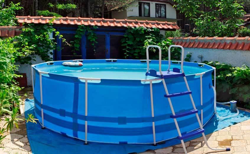 Каркасный бассейн можно встраивать в любой вид ландшафта