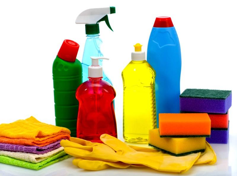 Как вывести запах с одежды: популярные средства и методы