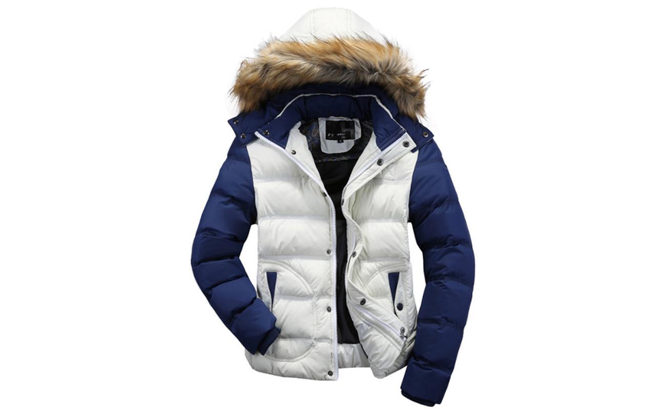 Мех на капюшоне куртки