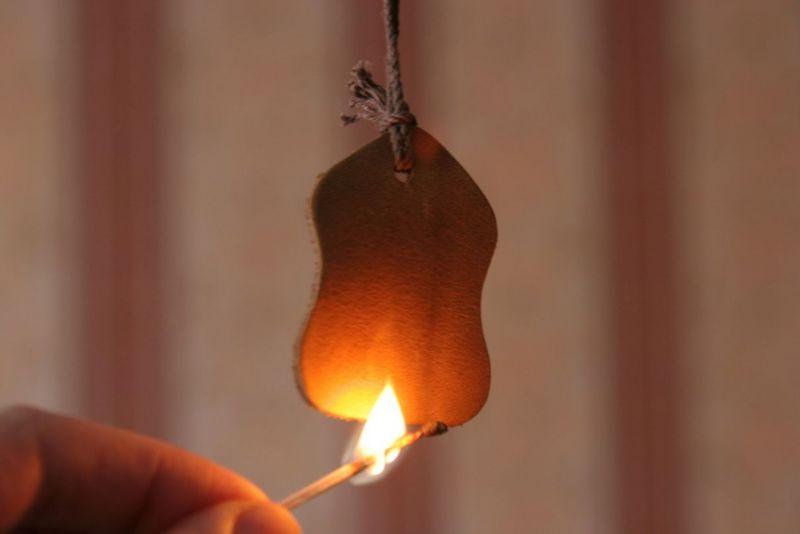 Проверка натуральной кожи огнем