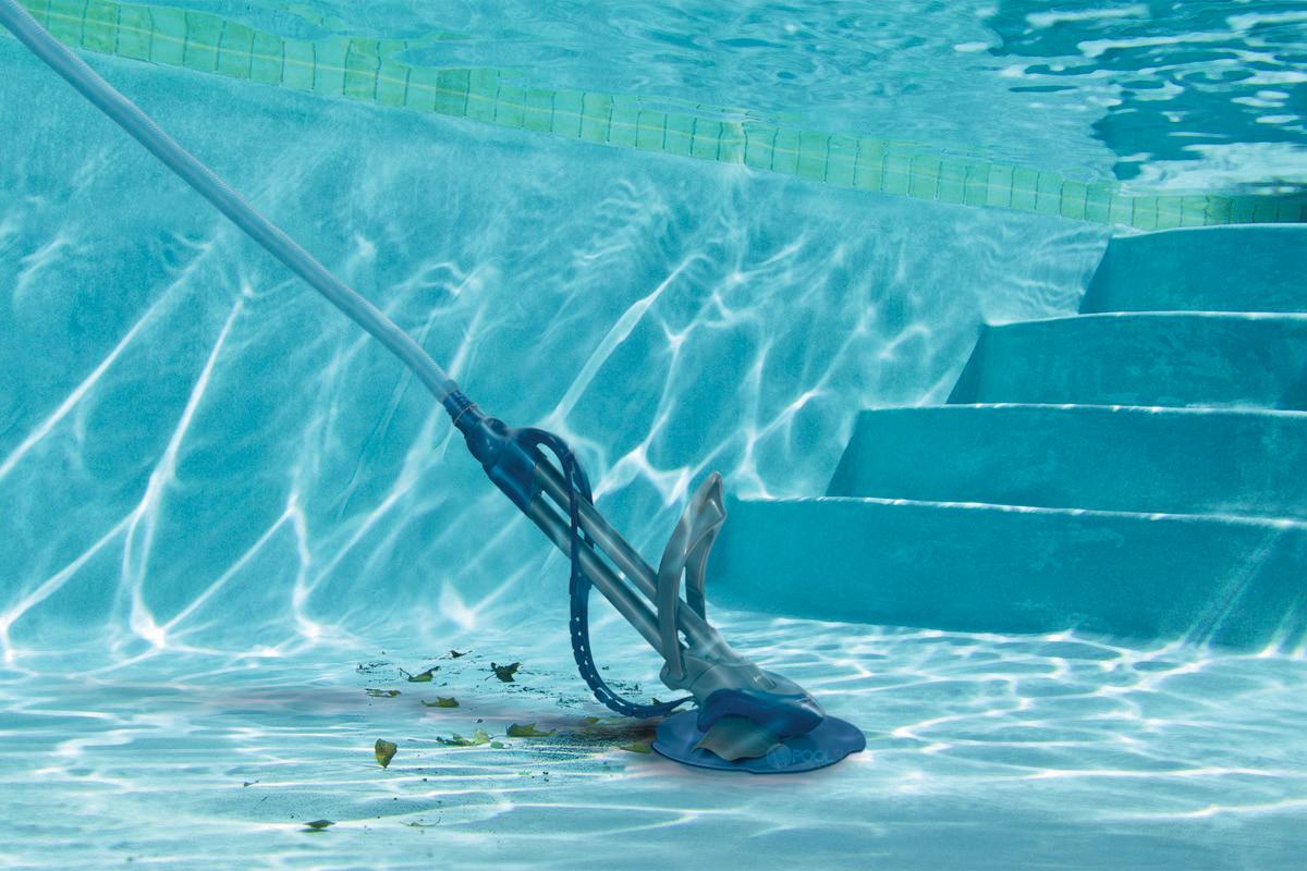 Подводный пылесос для очистки бассейна