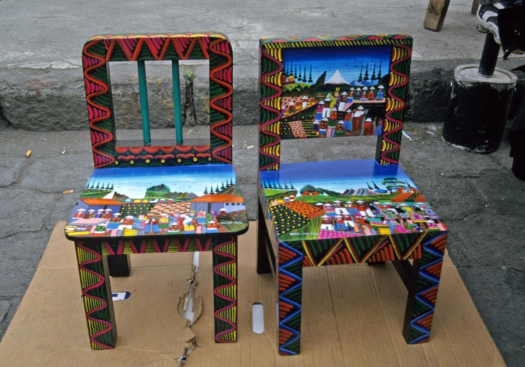 Роспись стульев