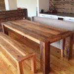 Фото 32: Стол и скамья из массива дерева