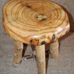 Фото 33: Табурет из массива дерева