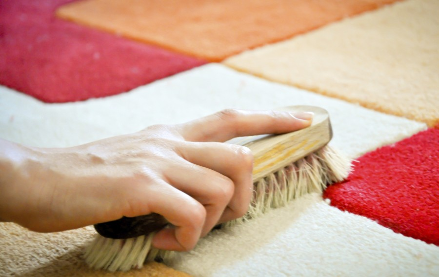 Чистка ковра в домашних условиях