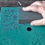 Фото 28: Ошкуривание окрашенной поверхности по рисунку
