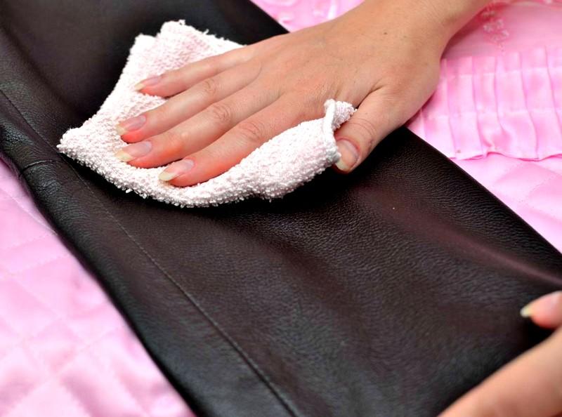 Как эффективно вывести пятно с кожи, описание способов, видео инструкция