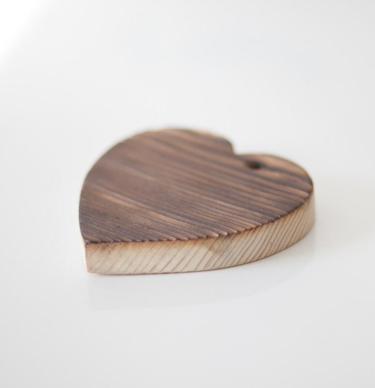 Деревянное сердце-подставка