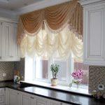 Фото 42: Австрийские шторы на кухне