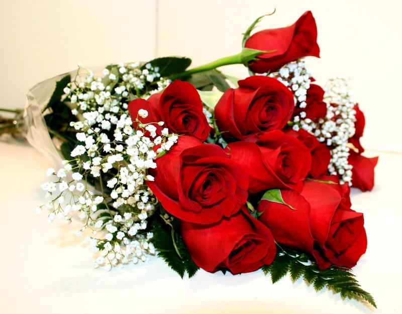 Букет роз к празднику