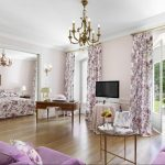 Фото 29: Цветочные шторы в гостиной