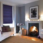 Фото 4: Римские однотонные шторы в гостиной