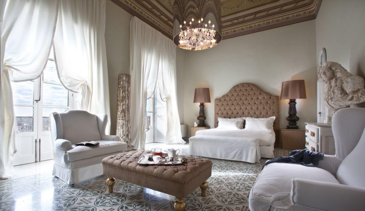 Легкие итальянские шторы для спальни