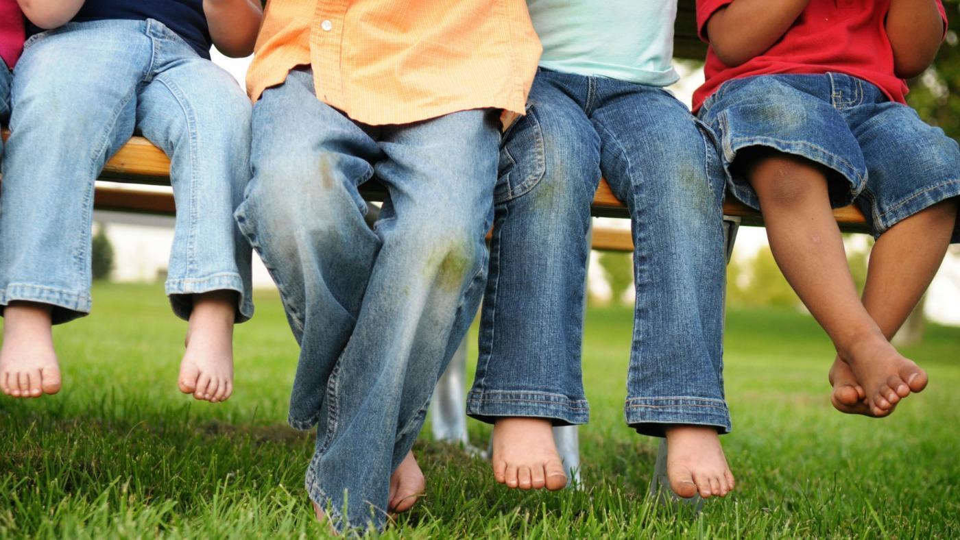 Пятна от травы на джинсах