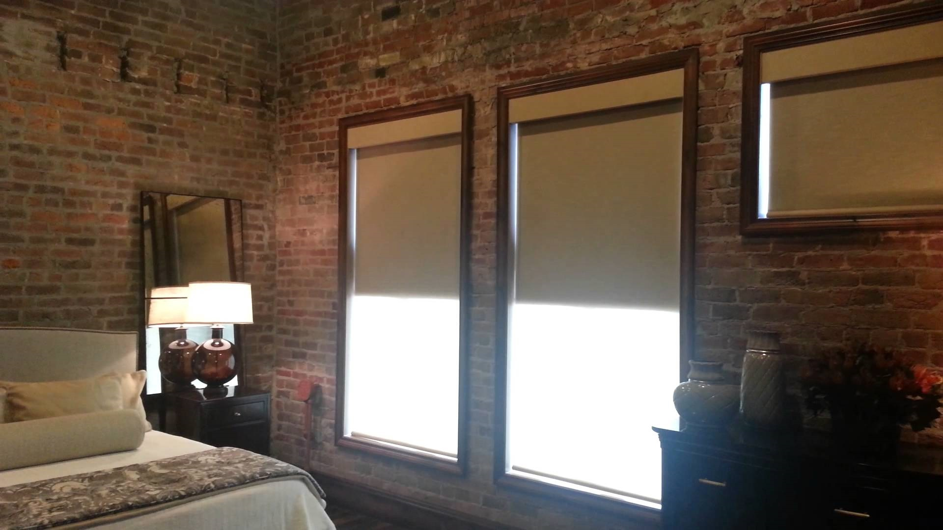 Рулонные шторы для спальни блэкаут