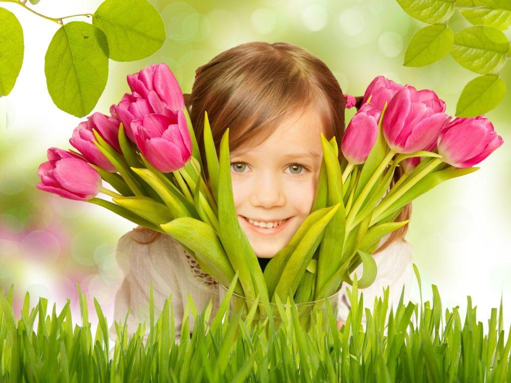 8 марта для девочек