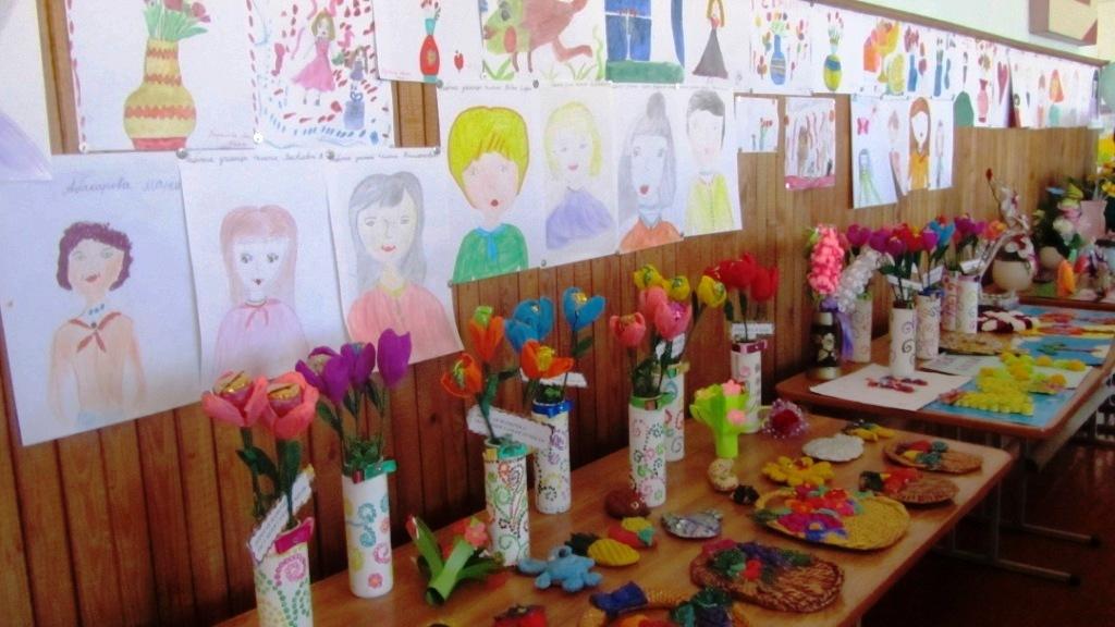 Конкурс рисунков и поделок к 8 марта