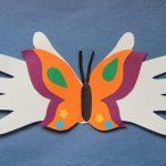 Фото 40: Открытка бабочка в ладонях