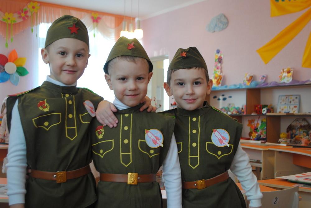 праздник в детском салу 23 февраля