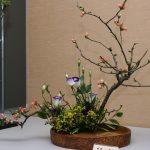 Фото 46: Икебана из веток и цветов